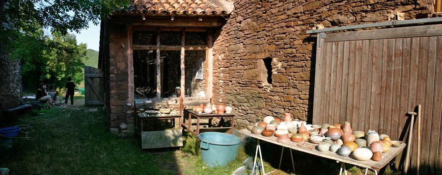vue panoramique de l'atelier Poterie de Lucante